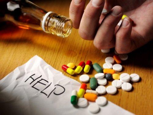 Помощь наркоману в домашних условиях: что можно сделать?