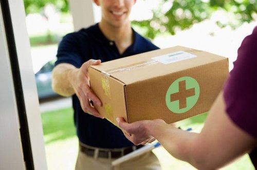 Чому легше замовити лікарські засоби через інтернет?