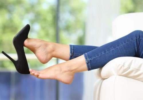 Потеют ноги - как избавиться от запаха