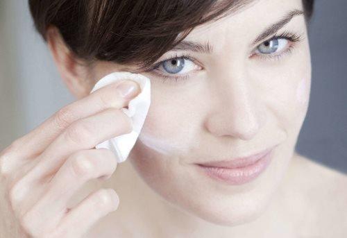 Необходимые процедуры по уходу за кожей лица