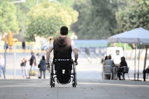 Боковой амиотрофический склероз: симптомы, причины, лечение