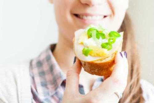 95% людей перекусывают между основными приемами пищи