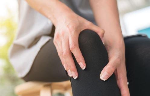 Боль в суставах - причины и лечение